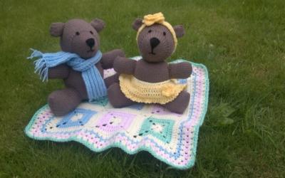 Knitting a Teddy Bears' Picnic
